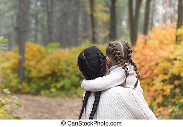 mère, promenade, enfant, forêt, park., diminuez jour, automne, fille, jeu, parent