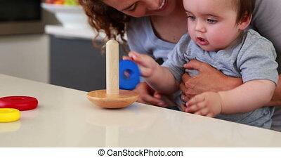 mère, séance bébé, recouvrement, garçon