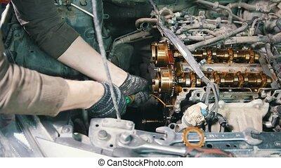 mécanicien moteur, dismantles, fonctionnement, voiture, atelier, voiture, moteur, disassembly, réparation