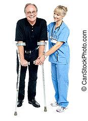 médecin, aider, expérimenté, patient, récupération, elle, processus