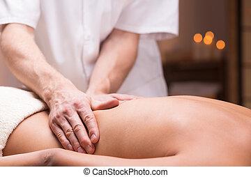 médico, massagem, para, aliviar, doloroso, costas