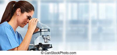 médico, microscopio, doctor