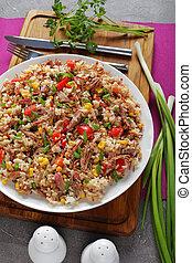 mélangé, déchiqueté, riz, juteux, boeuf