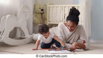mélangé, pictures., aimer, peu, course, enseignement, nourrisson, dessin, maman