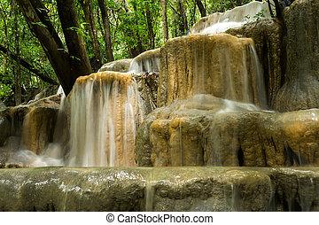 mészkő, vízesés, alatt, a, rainforest, thailand.