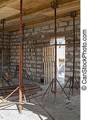 métal, formwork, vue, construction, maison bois, chevauchement, supports, rempli, bloc, mousse, planchers, pays, volonté, être, sous, entre