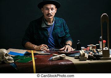 métier, ensemble, lieu travail, outils, cuir, papier, shoemaker., arrière-plan.