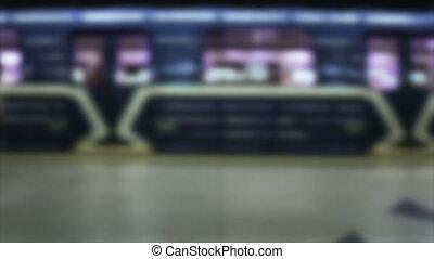 métro, timelapse, brouillé, station, métro, départs, arriver
