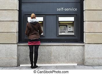 m�dchen, an, geldautomat