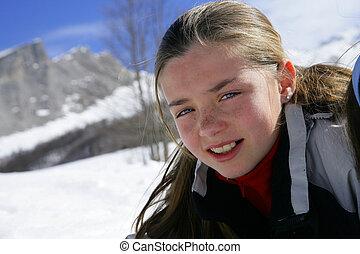 m�dchen, auf, a, schneereicher berg