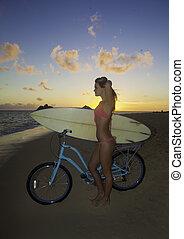 m�dchen, fahrrad, surfbrett
