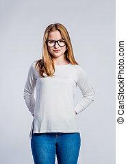 m�dchen, in, jeans, und, sweatshirt, junge frau, studio-...