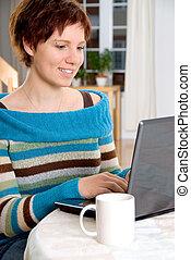 m�dchen, laptop