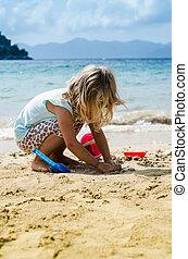 m�dchen, sandstrand, spielende , blond