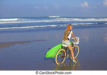 m�dchen, strand., fahrrad, surfbrett, junger