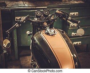 móda, vinobraní, cafe-racer, clo, garáž, motocykl