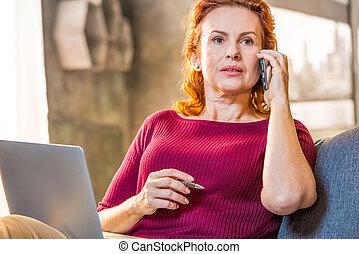 móvel, falando, mulher, telefone