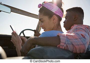 móvel, mulher carro, usando, telefone