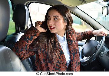 mówiąc, dzwonić kobiecie, napędowy, wóz