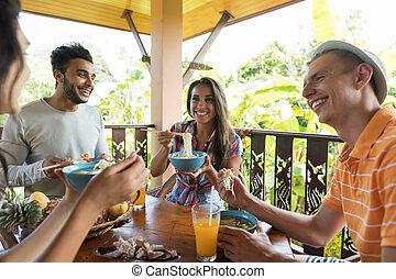 mówiąc, grupa, ludzie, jadło, młody, razem, zupa, tradycyjny, jadalny, znowu, asian, jedzenie, makarony, przyjaciele