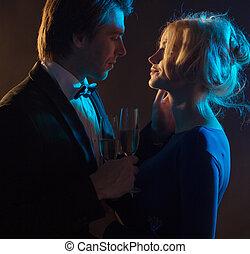mörk, stående, par, romantisk