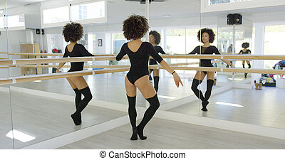 múltiplo, reflexões, de, um, jovem, dançarino