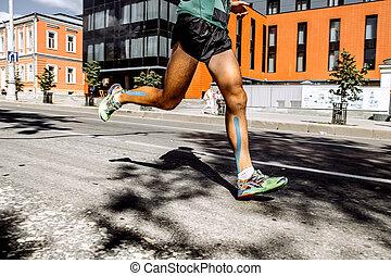 músculos, homens, gravando, bezerro, pernas, maratona