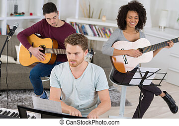 música, ensaio