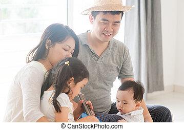 música instrumento, tocando, família