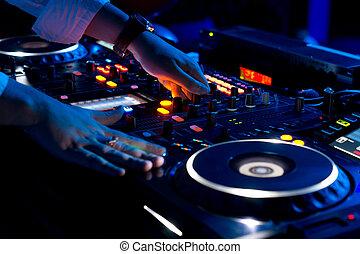 música misturando, mãos, dj, discoteca