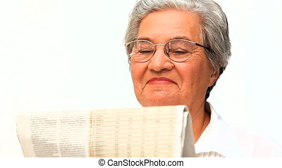 mûr femme, lecture journal