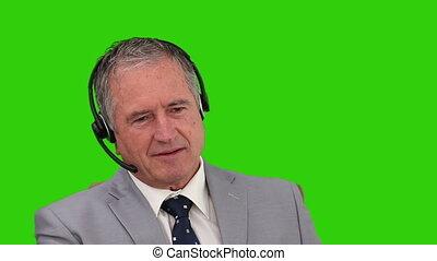 mûrir, sur, casque à écouteurs, homme affaires, parler
