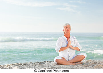 mûrir, yoga, pratiquer, plage, femme