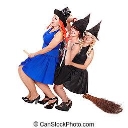 młoda kobieta, czarownica, mucha, na, broom.
