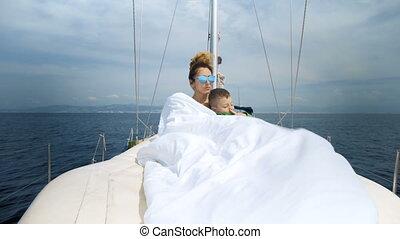 młoda para, żeglując, na, niejaki, jacht, w, karaibskie morze