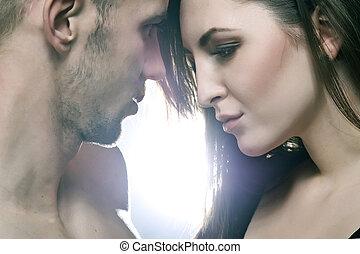 młoda para, zakochany