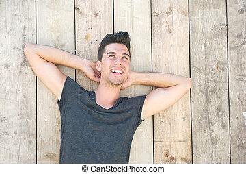 młody, śmiech, outdoors, portret, człowiek, przystojny