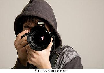 młody, aparat fotograficzny, używając, profesjonalny, kaptur, człowiek