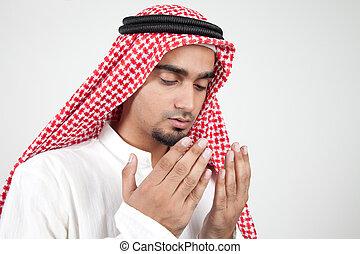 młody, arab, muslim, modlący się