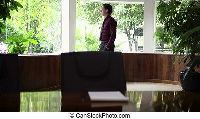 młody, biznesmen, w, biuro