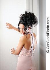 młody, czarna kobieta, wzór, od, fason, z, różowy strój
