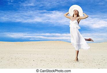 młody, piękni kobiety, w, biały, złagodzenie, na, słoneczny,...