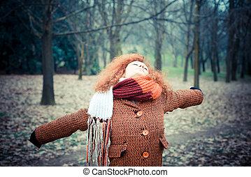 młody, piękny, czerwony, kędzierzawy włos, kobieta