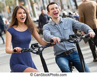 młody, rowery, para, elektryczny