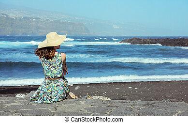 młody, wybrzeże, dama, ładny, odprężając
