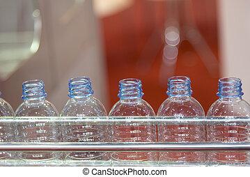 műanyag palack, kézbesítő