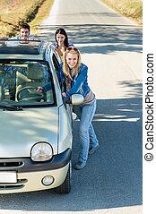 műszaki, autó, rámenős, fiatal, balsiker, barátok, út