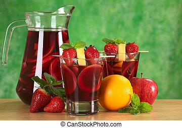 maçã, f, manga, abacaxi, sangria, costas, soco, misturado, laranja, foco, morangos, vinho, garnished, jarro, frutas, (selective, skewer, refrescar, chamado, vermelho, ao redor
