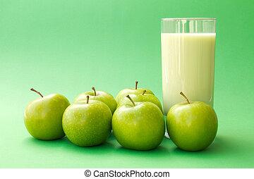 maçã verde, yogurt, bebida