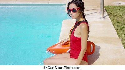 maître nageur, vigilant, côté, piscine, séance